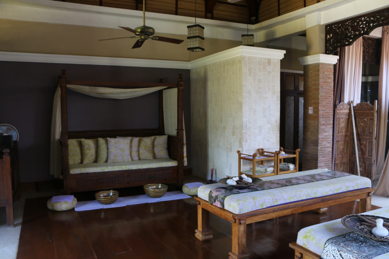 inside the thai villa.jpg