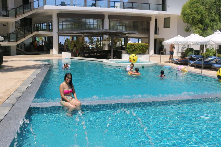 pool morning