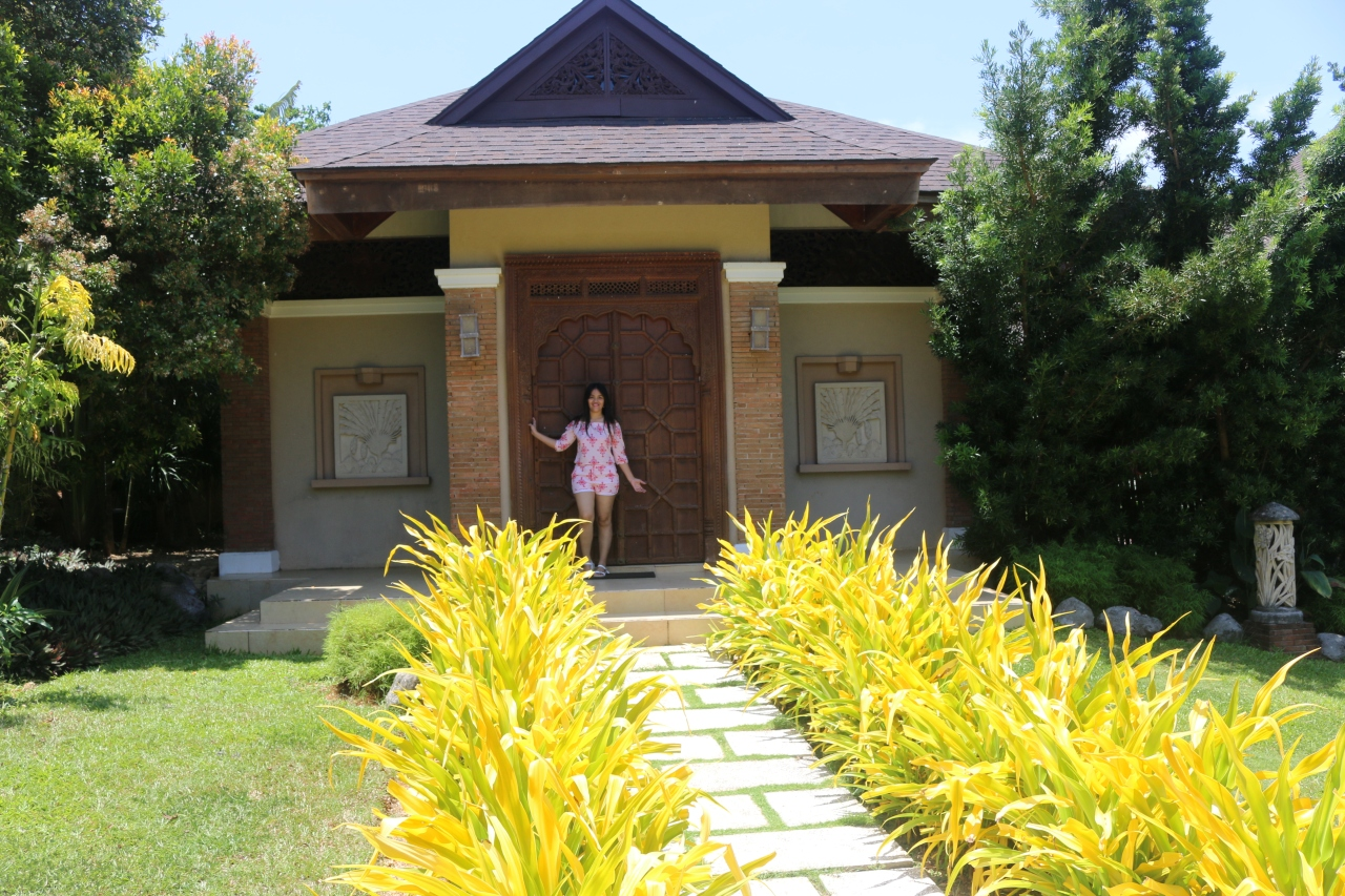 the indonesian villa.jpg