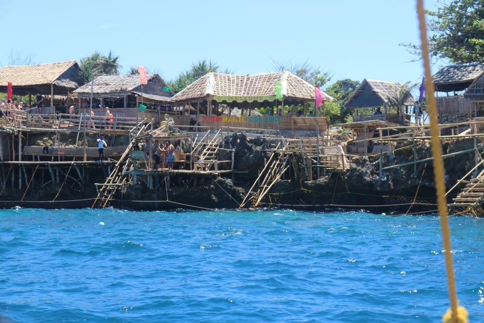 aron magic island