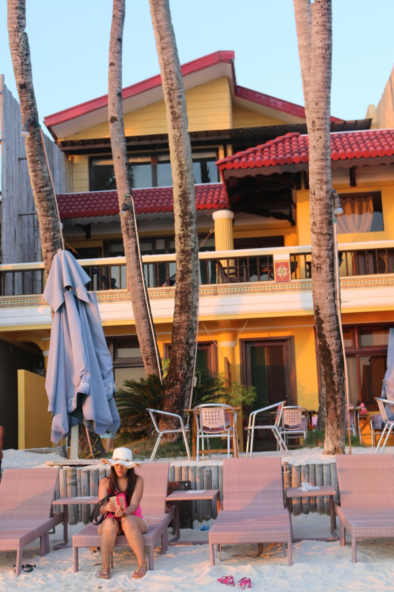 TRUE HOME HOTEL:  An Affordable Beachfront Hotel in Station 1