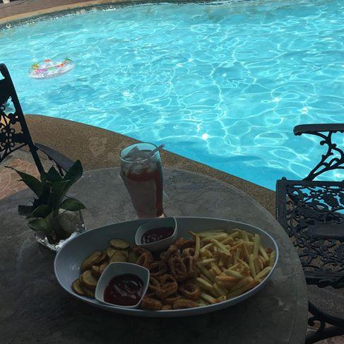 snacks poolside