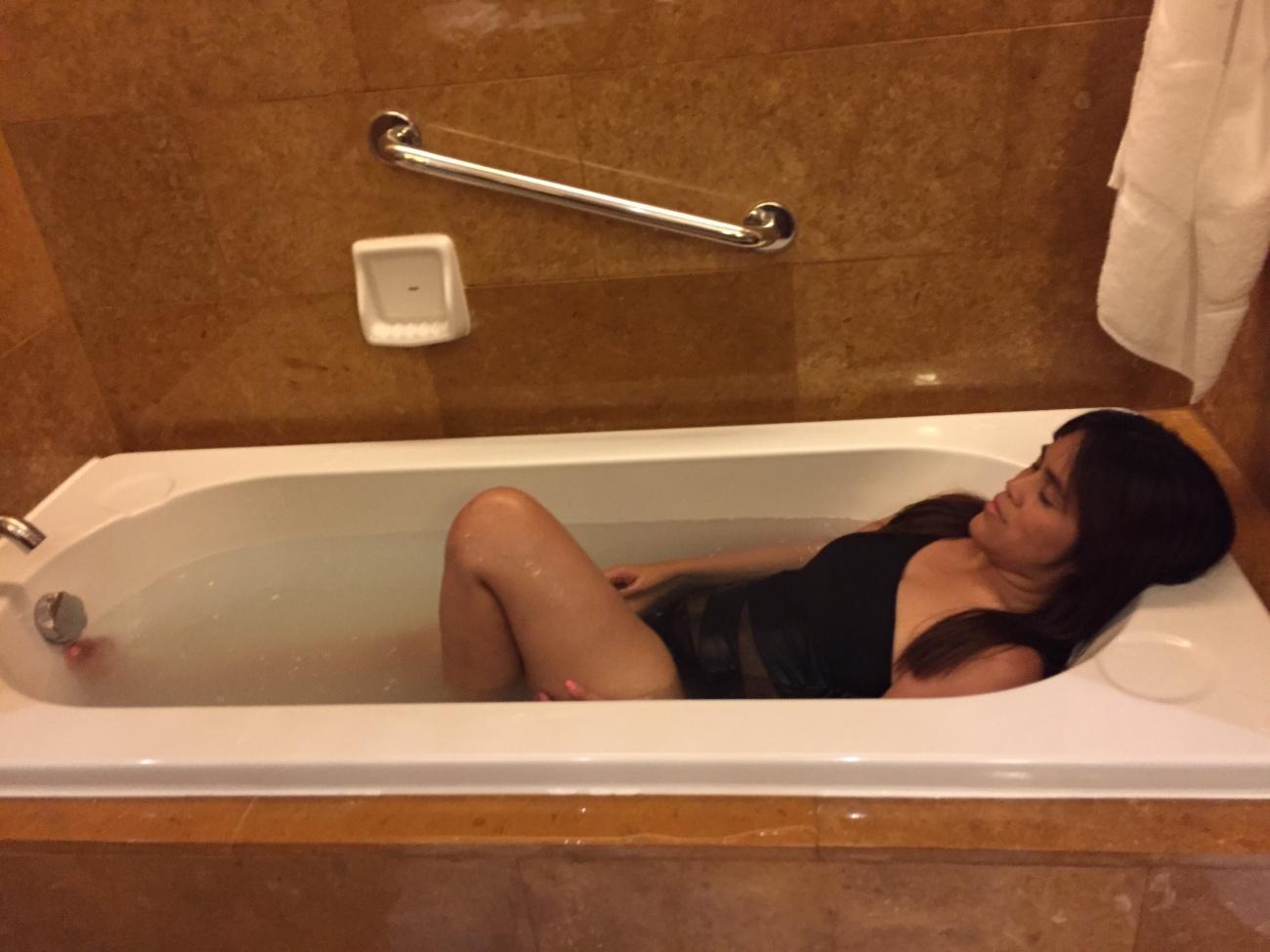 Hot tub bath Shangri-La