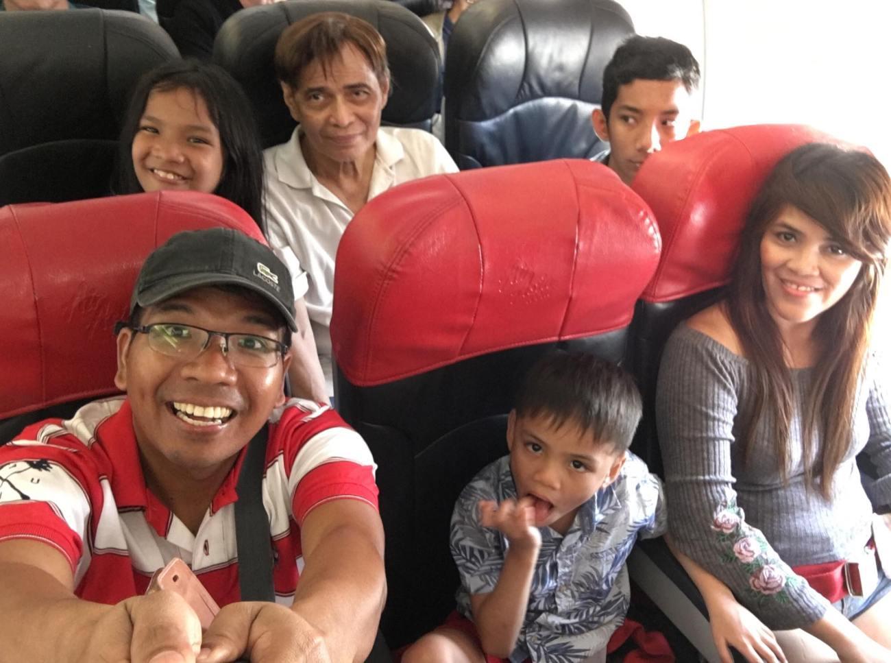 in the plane back to manila.jpg